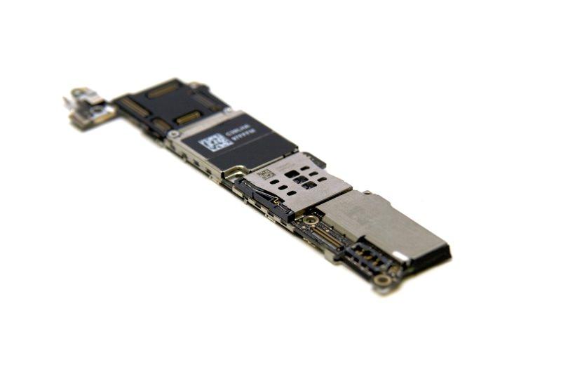 Ремонт системной платы iPhone 5s