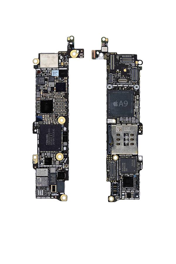 iPhone SE PCB